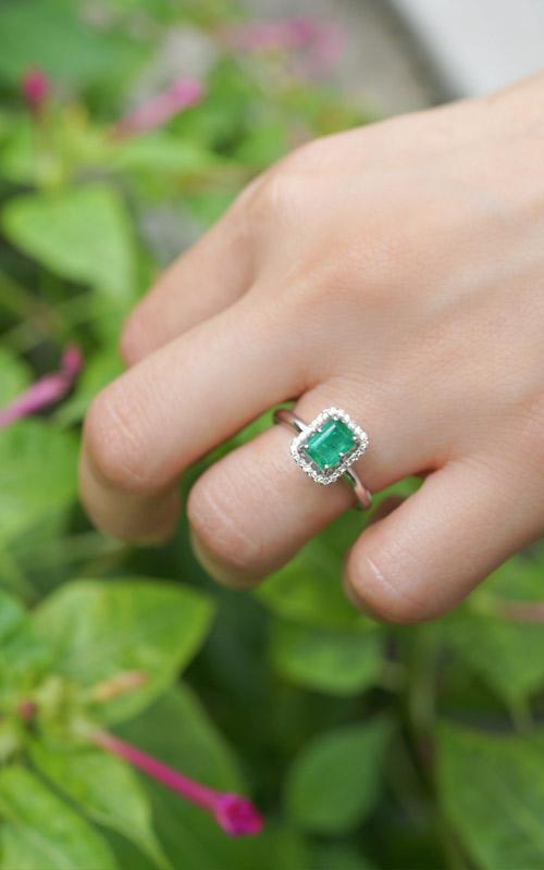1028509 - [나스첸카 NASCHENKA] 직사각형 에메랄드 헤서웨이 _ emerald 14K 에메랄드 반지