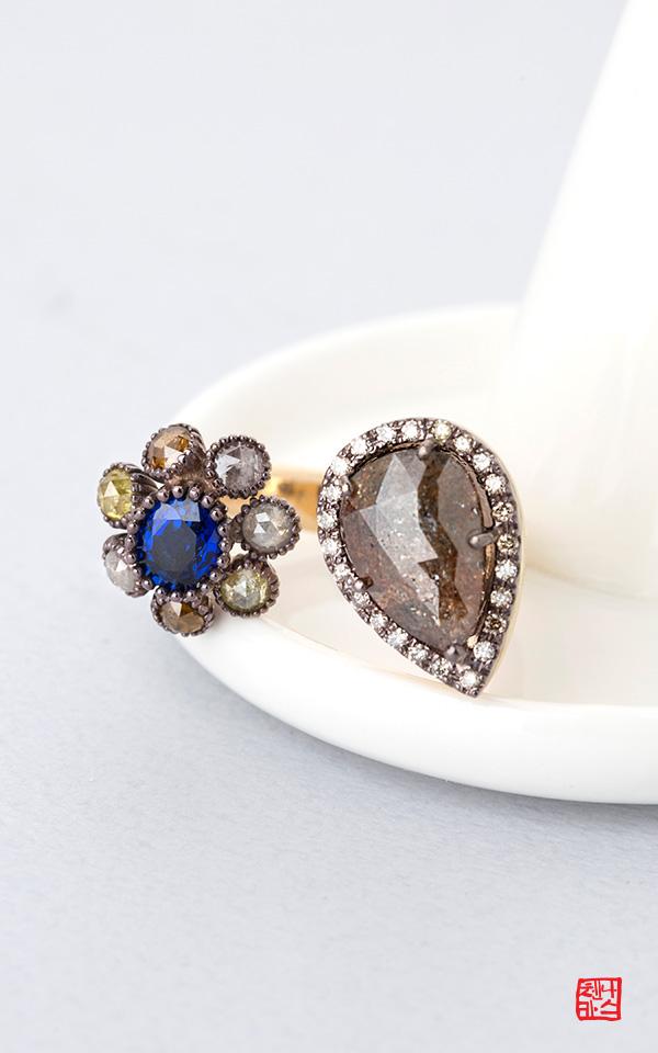 1419137 - [나스첸카 NASCHENKA] 펑키 다이아 _ 18K 러프 다이아몬드 사파이어 반지