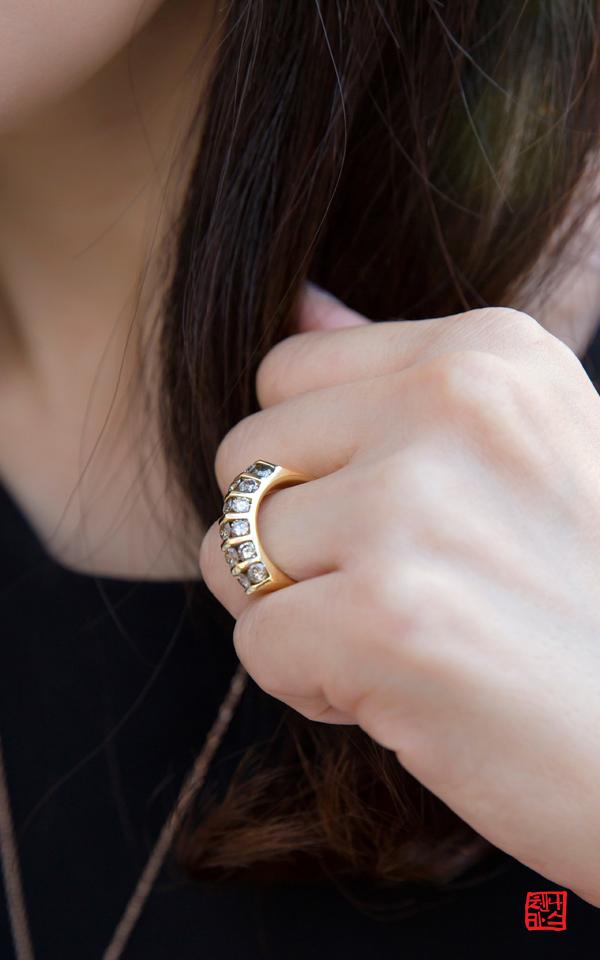1423770 - [나스첸카 NASCHENKA] 밖으로 나와 산책하라는 초대장입니다 _ 18K 다이아몬드 반지