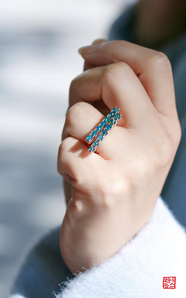 1049753 - [나스첸카 NASCHENKA] 높아지는 자존감 _ 14K 블루 러프 다이아몬드 반지