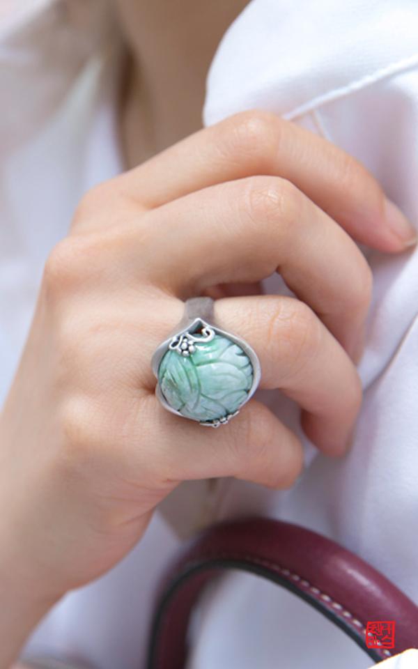 5542 - [나스첸카 NASCHENKA] 입술 비취 _ jade 비취 반지, 옥반지, 한복반지