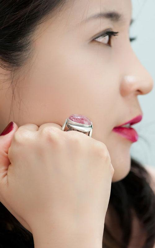 8225 - [나스첸카 NASCHENKA] 생과일 딸기쥬스 반지 [실버 수공예 레드 선스톤 반지]