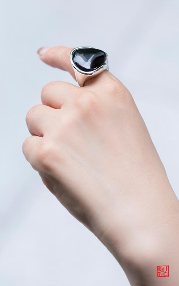 1255450 - [나스첸카 NASCHENKA] 묘하게 편해 _ 오닉스 반지