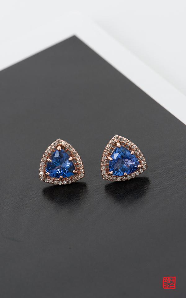 1007635 - [나스첸카 NASCHENKA] 2.9 CT 탄자나이트 _ 14K 다이아몬드 탄자나이트 귀걸이